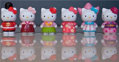 6 Hello-Kitty Figurines